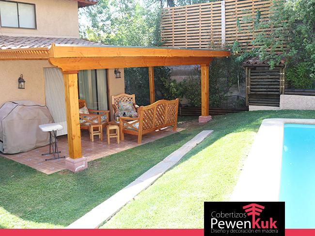 Cobertizos de madera para estacionamientos o jard n for Cobertizos para jardin