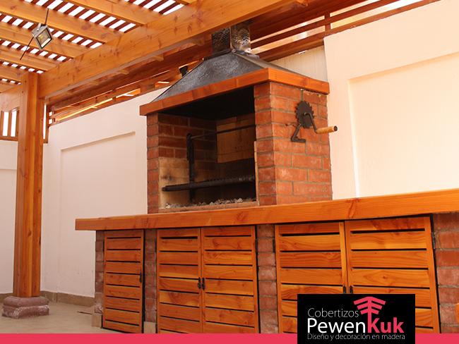 Cobertizo de madera cobertizo de madera para bicis for Casas con cobertizos